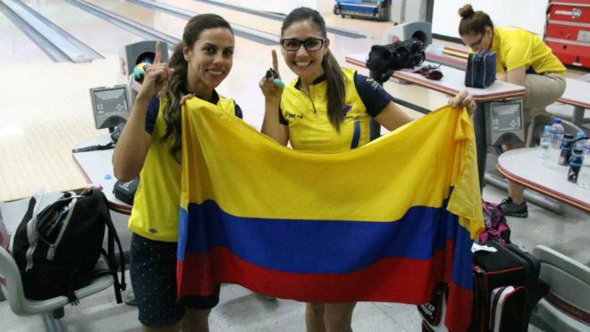 Clara Juliana Guerrero y Rocío Restrepo, felices por su oro en bolos / Coldeportes / COC